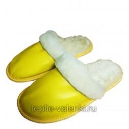 Тапочки кожаные утепленные из мутона желтые Артикул T306